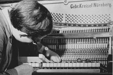 Gebrüder Kreisel Klavierbauer Nürnberg         Fürth